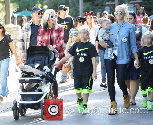 Gwen Stefani, Kingston Rossdale, Zuma Rossdale and Apollo Rossdale 11