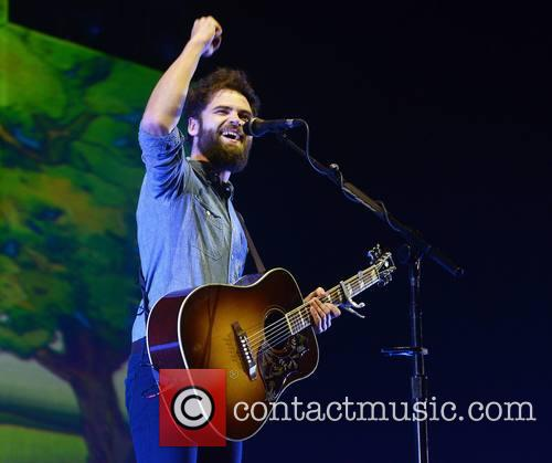 Passenger performs live at the 3Arena