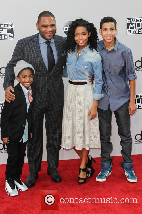 Miles Brown, Anthony Anderson, Yara Shahidi and Marcus Scribner 1