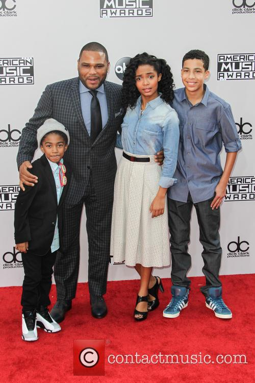 Miles Brown, Anthony Anderson, Yara Shahidi and Marcus Scribner 3