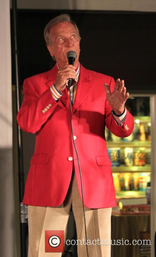 Pat Boone preforms at the annual Salvation Army...