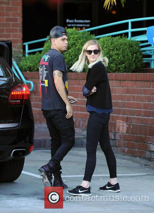 Ashlee Simpson and Evan Ross go shopping