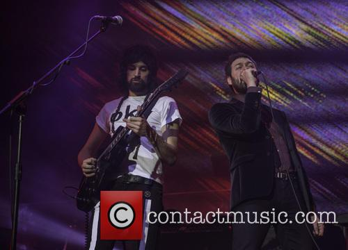 Tom Meighan and Sergio Pizzorno 7