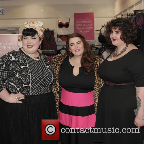 Tara O'brien, Tess Munster and Chrissy Brown 4