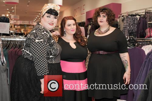 Tara O'brien, Tess Munster and Chrissy Brown 6