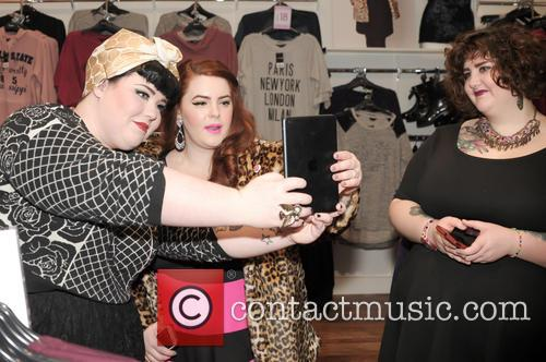 Tara O'brien, Tess Munster and Chrissy Brown 1