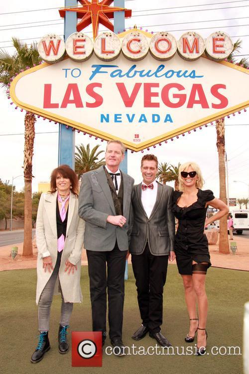 Chrissie Hynde, Dan Matthews, Jack Ryan and Pamela Anderson 11
