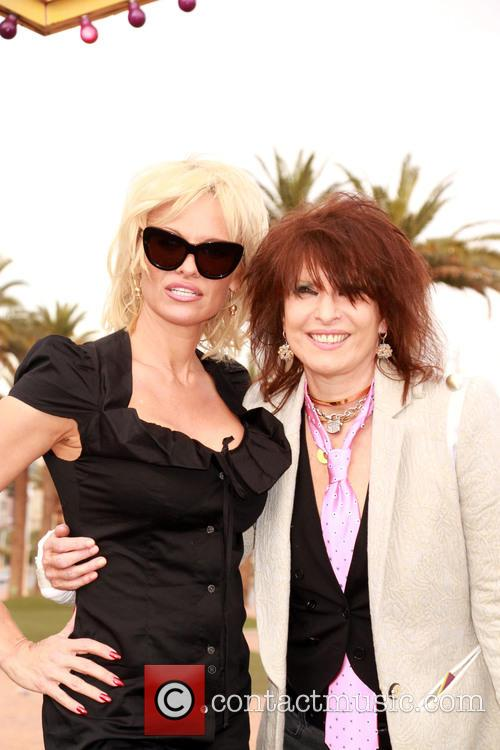 Pamela Anderson and Chrissie Hynde 7