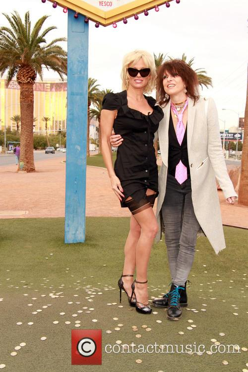 Pamela Anderson and Chrissie Hynde 9