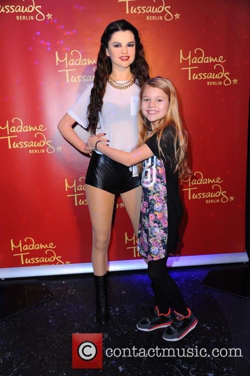 Selena Gomez and Faye Montana 10