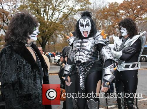 Paul Stanley, Gene Simmons and Kiss 2
