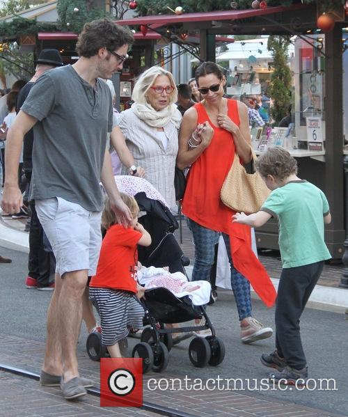 Minnie Driver, Son Henry, Mother Gaynor Churchyard and Sister Kate 1