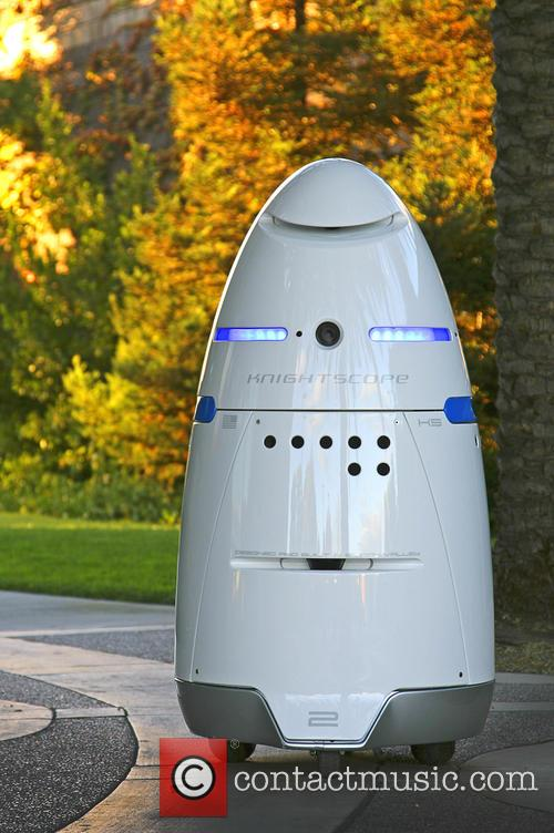 Mobile Robotic Crime-solving Security and Guard 3