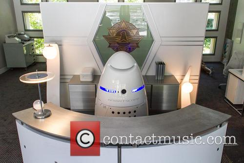 Mobile Robotic Crime-solving Security and Guard 4