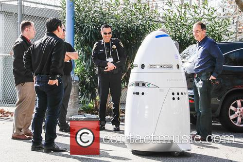 Mobile Robotic Crime-solving Security and Guard 5