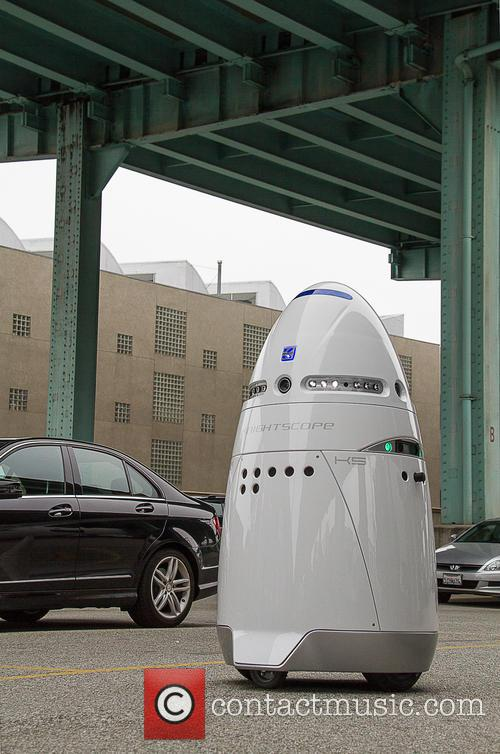 Mobile Robotic Crime-solving Security and Guard 7