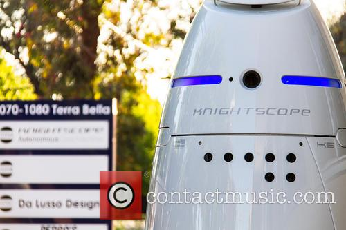 Mobile Robotic Crime-solving Security and Guard 10