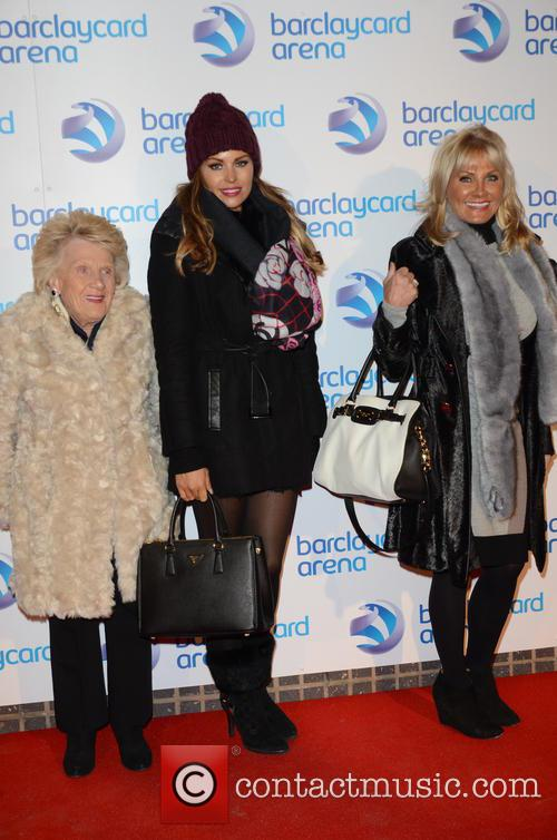 Nanny Pat, Jess Wright and Jessica's Mother 1