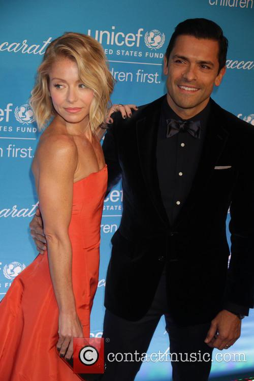 Kelly Ripa and Mark Conseulos 1