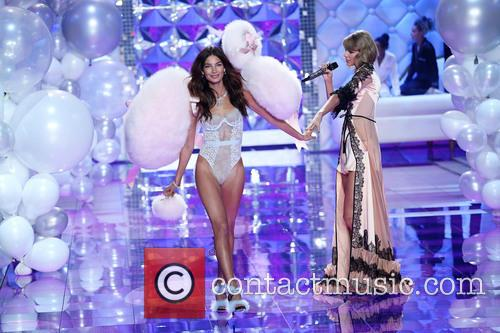 Lily Aldridge and Taylor Swift 5