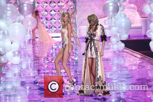Karlie Kloss and Taylor Swift 6
