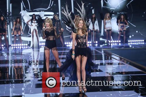 Behati Prinsloo and Taylor Swift 6