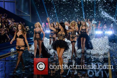 Victoria's Secret Fashion Show 1