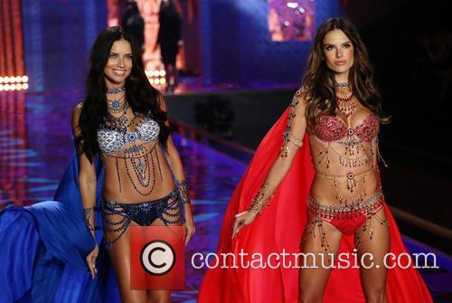 Adriana Lima and Alessandra Ambrosio 3