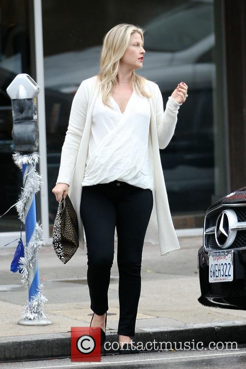 Pregnant Ali Larter getting her nails done in...