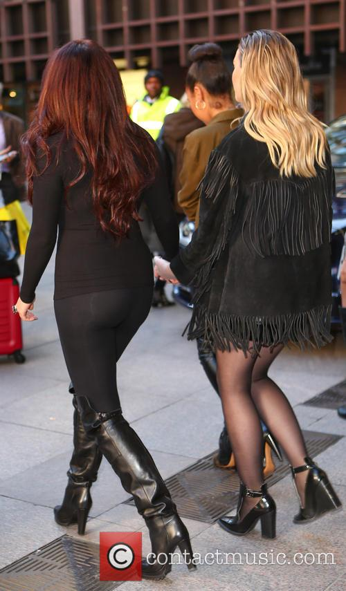 Jesy Nelson and Perrie Edwards 8