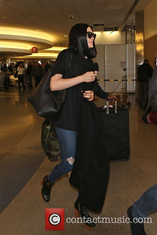 Jessie J and boyfriend arrive in Los Angeles...