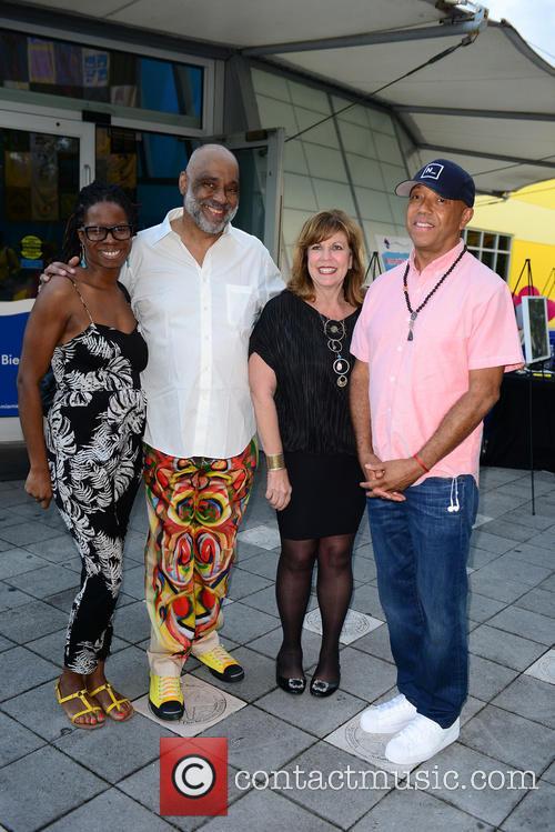 Tangie Murray, Daniel Simmons Jr., Deborah Spiegleman and Russell Simmons 5
