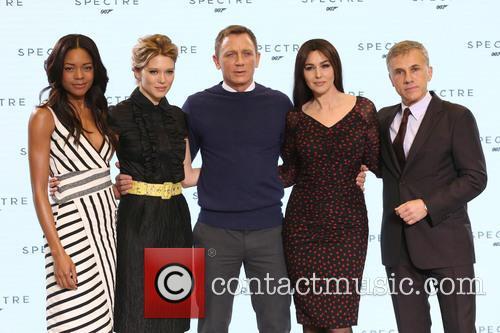 Naomie Harris, Daniel Craig, Lea Seydoux, Monica Bellucci and Christopher Waltz 6