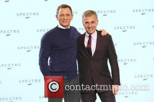 Daniel Craig and Christopher Waltz 7