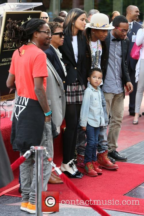 Pharrell Williams, Helen Lasichanh, Rocket Williams, Pharaoh Williams and Carolyn Williams 9