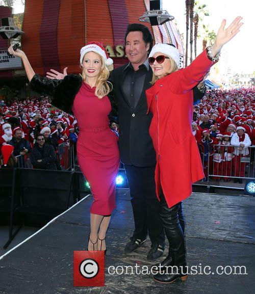 Holly Madison, Wayne Newton and Olivia Newton John 11