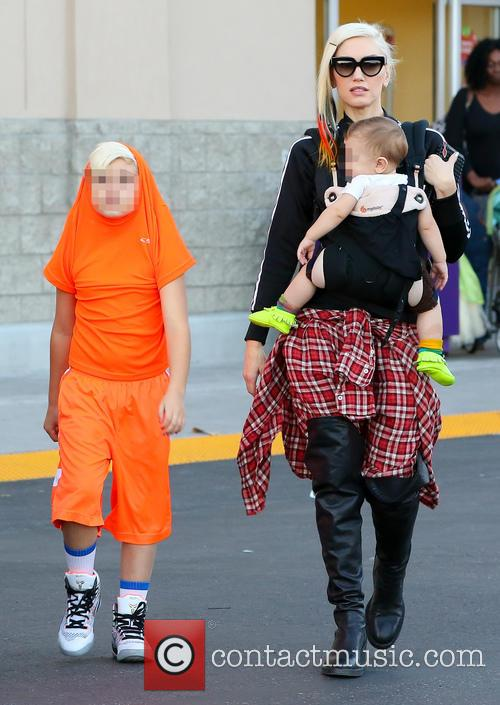 Gwen Stefani, Apollo Rossdale and Kingston Rossdale 8