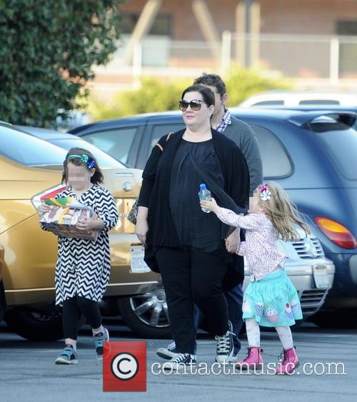 Melissa Mccarthy, Ben Falcone, Vivian Falcone and Georgette Falcone 8