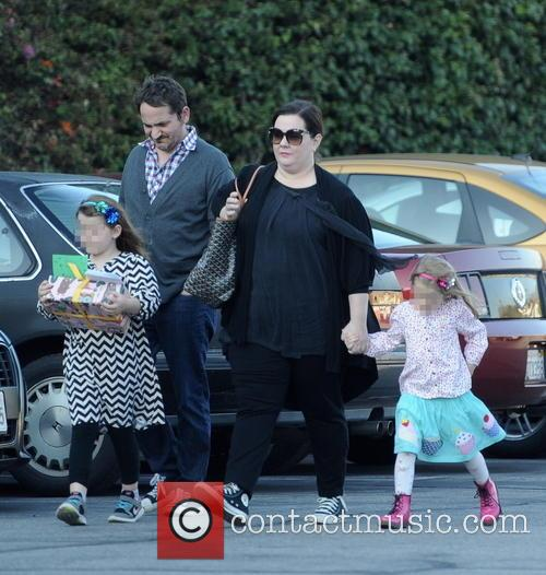 Melissa Mccarthy, Ben Falcone, Vivian Falcone and Georgette Falcone 9