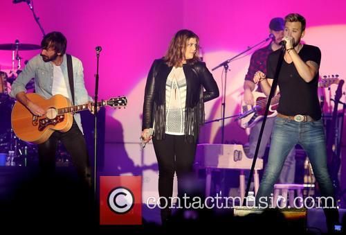 Lady Antebellum, David Nail, Maddie and Tae Perform...