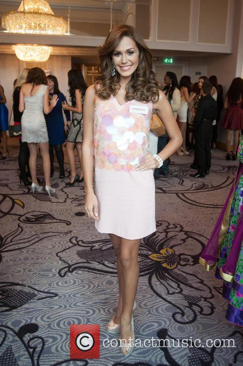 Debora Menicucci and Miss Venezuela 6