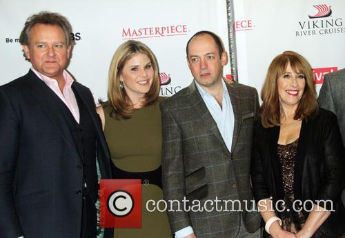 Hugh Bonneville, Jenna Bush Hager, Gareth Neame and Phyllis Logan 11