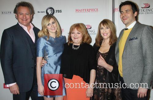 Hugh Bonneville, Laura Carmichael, Lesley Nicol, Phyllis Logan and Robert James-collier 6