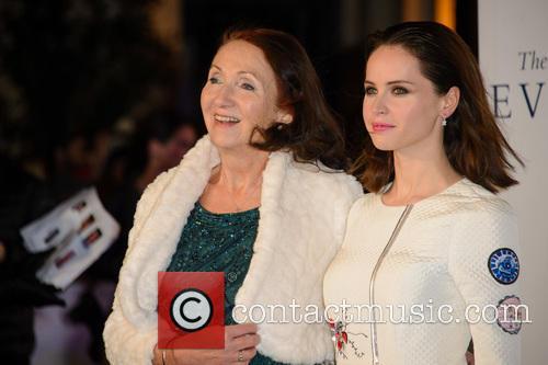 Jane Hawking and Felicity Jones 3