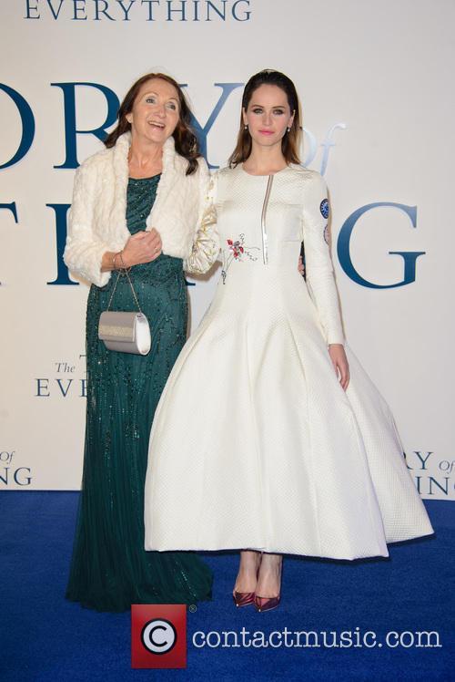 Jane Hawking and Felicity Jones 5