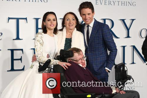 Stephen Hawking, Eddie Redmayne, Felicity Jones and Jane Hawking 3