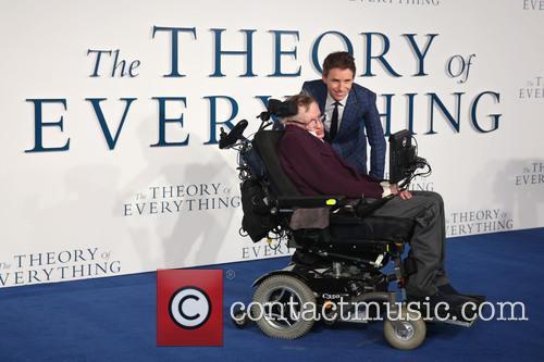 Stephen Hawking and Eddie Redmayne 5