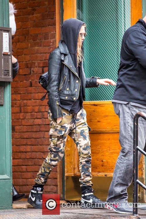 Cara Delevingne and Kendall Jenner 2