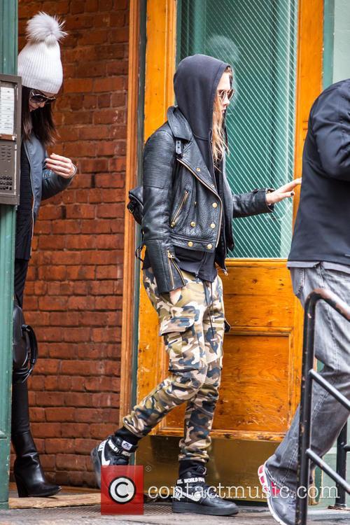 Cara Delevingne and Kendall Jenner 1