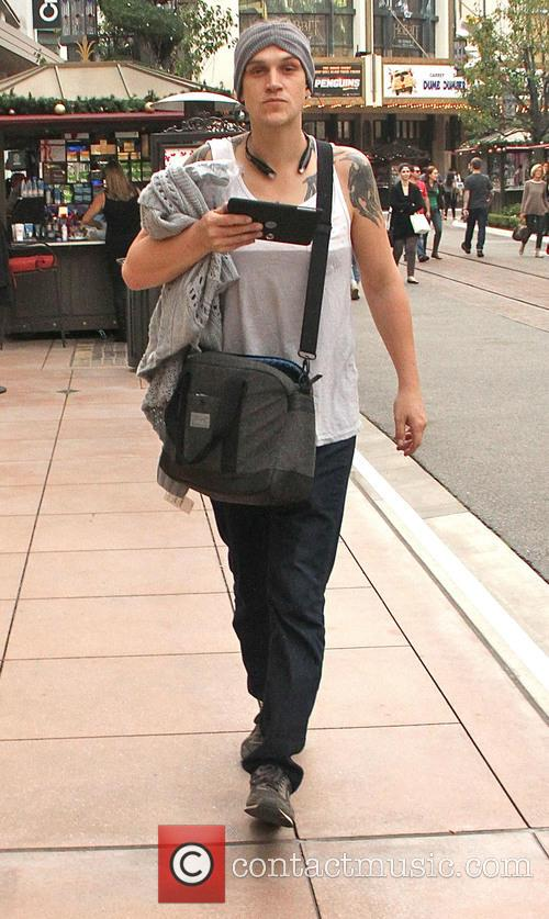Jason Mewes goes shopping at The Grove